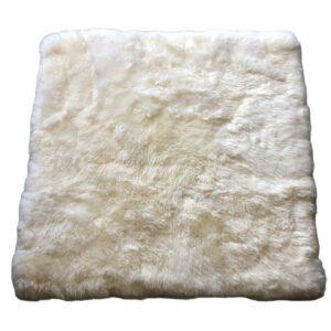 tapis en peau de mouton blanc